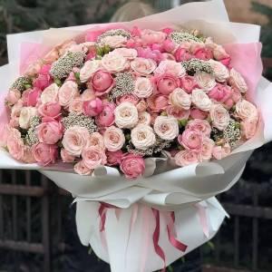 Букет 101 ветка кустовой розы с зеленью R993