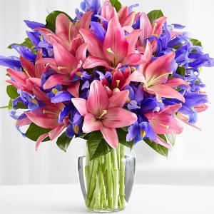 Сборный букет розовые лилии и ирисы R138
