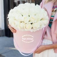 31 белая крупная роза в коробке R151