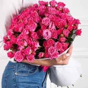 Большой букет 51 кустовая розовая роза с упаковкой R485